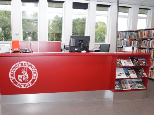 16128 – Skolebibliotek skranke