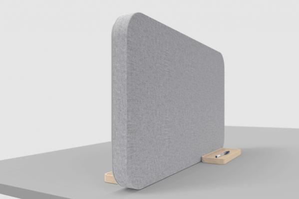 Grå Mood Fabric Table lydabsorberende bordskærm med stof på den ene side og magnetisk skriveoverflade i glas på den anden side.